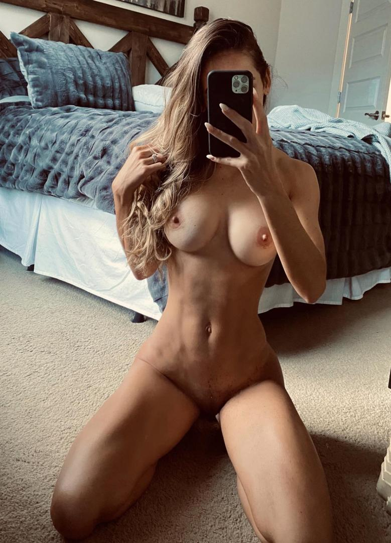 carinaballerinaleaked onlyfans nude picture