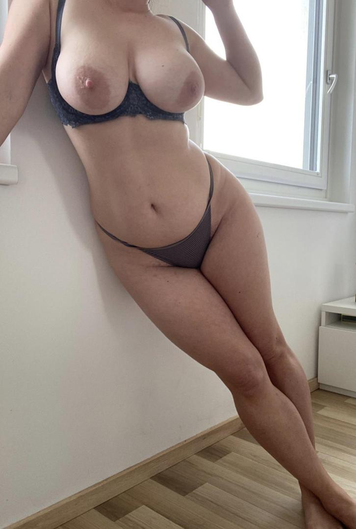 ddbellaleaked onlyfans nude picture