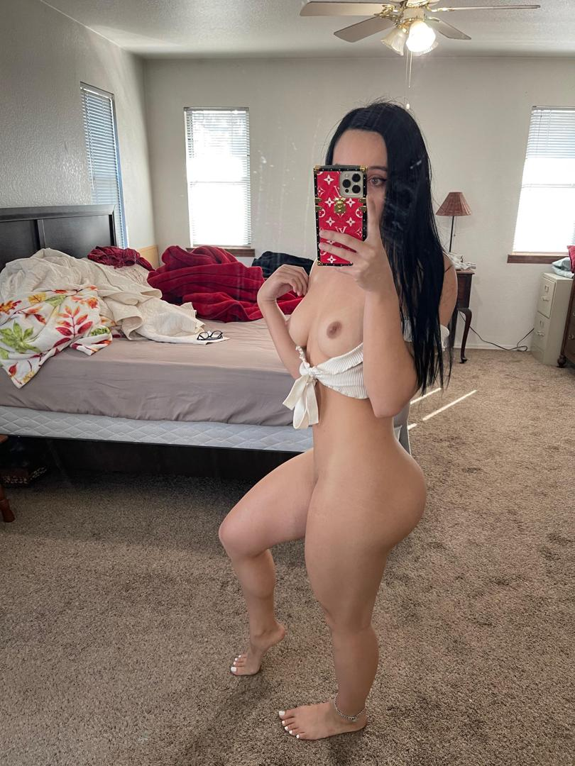 queentaylorrleaked onlyfans nude picture