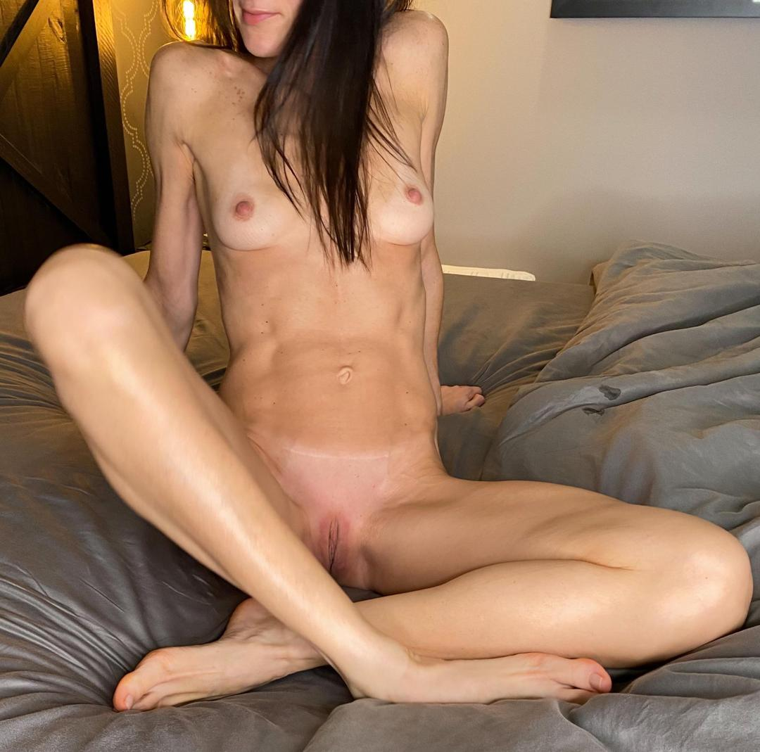 shylittlebunnyleaked onlyfans nude picture