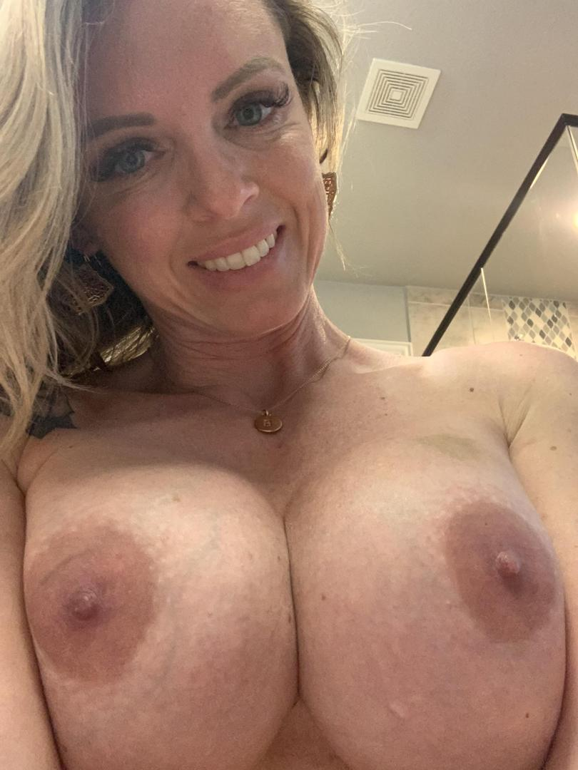 sweetcheeks_83leaked onlyfans nude picture